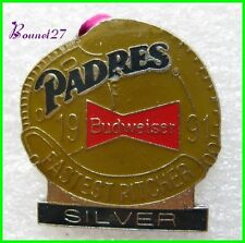 Pin's Pins badges Biere BUDWEISER padres Fastest Pitcher Silver  #347