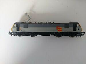 Hornby class 90 90039 in Railfreight Distribution grey OO gauge model train