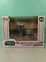 FUNKO POP! Deluxe Star Wars The Mandalorian Mandalorian with The Child #390
