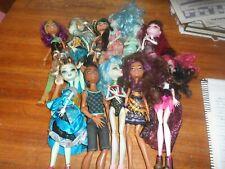 Bundle of 11 Monster High dolls