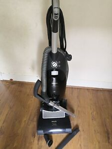Miele Power Plus Swivel Neck Bagged Upright Vacuum Cleaner Model. S7210