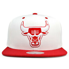 Chicago Bulls EXCLUSIVE TRACE White Red Snapback Mitchell & Ness NBA Hat