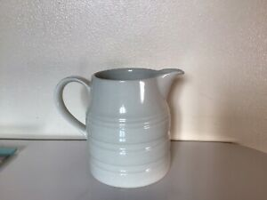 Vintage/Retro White Ceramic Milk Jug/ Churn P&k Vase (Flowers, 1 Pint, Dairy)