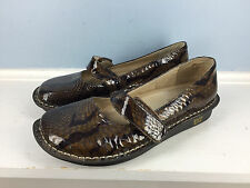 Alegria Paloma Mary Jane Brown Embossed Patent Leather Career Professional 39 9