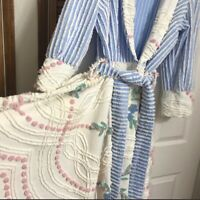 Gorgeous Vtg. Chenille Bath Robe Handcrafted