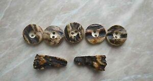 Buttons bone deer horn vintage.