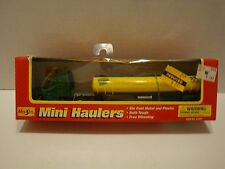 Maisto Mini Haulers Quaker State Slick 50 Semi Tractor Truck Tanker Diecast16-87