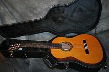 Aria AC25 Concert Classical Guitar with Case New Dealer  AC 25