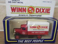 Lledo DG28012, Mack C/Back Truck, Winn Dixie, America's Supermarket, Beef People
