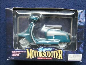 Kandy Lambretta SX150 Scooter - 1/18 Scale Blue & Silver with Black Seat BOXED