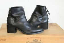 BLACK LEATHER ANKLE CHELSEA BOOTS SIZE 6 / 39 BY TOPSHOP GOOD USED CONDITION