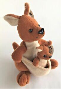 Deagostini My Animal Kingdom Kangaroo Set Kylie and Kelvin With Tags