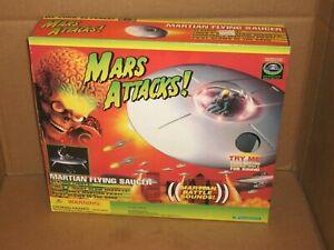 1996 MARS ATTACKS Movie MARTIAN FLYING SAUCER MIB Trendmasters  NRFB