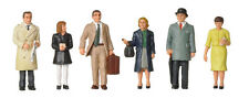 60/70s Standing Station Passengers Bachmann 36-402 OO painted figures free post