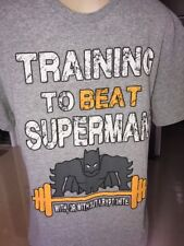VTG T-SHIRT TRAINING TO BEAT SUPERMAN NICE COOL GYM SHIRT STRONG MED B12
