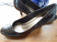 Ladies Brown Heels by Predictions, size 8.5 medium, 3 inch heels,with comfort Pl