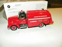 FIRST GEAR CHICAGO FIRE DEPT 1957 INTERNATIONAL R-190 WITH FUEL TANKER 19-1723