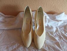 Dyables Women's Shoes Beige 7.5B (4)