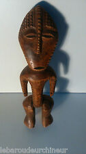 old African statue. ancienne Statue africaine LEGA collection african art premie
