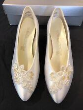 Coloriffics Ivory Cream Satin Dress Heel Pump Womens US Size 7