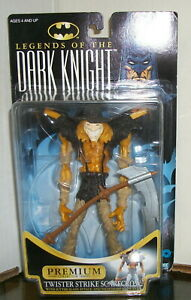 TWISTER STRIKE SCARECROW LEGENDS OF THE DARK KNIGHT ACTION FIGURE - HASBRO/1996