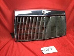 1987-1992 FORD LINCOLN MARK VII FRONT GRILLE ASSEMBLY E4LB-8150-AB