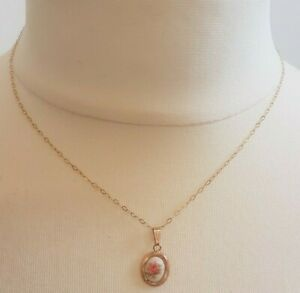 Pretty 9Kt Gold Chain and Oval Enamelled Pink Rose Pendant 0.70g