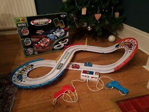 Go Mini Night Challenge Raceway - 1-2 players - dual speed - SEE DESCRIPTION