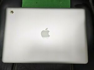 "Macbook Pro A1286 screen 15"" june 2012 lid working in good condition"