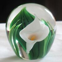 Peter Raos Calla Lilly Paper Weight White Calla Lilie - Signed & Dated 2008 NZ