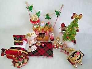 Christmas Dollhouse Bedroom Toy Set Miniature Furniture  (3 Inch Dolls)