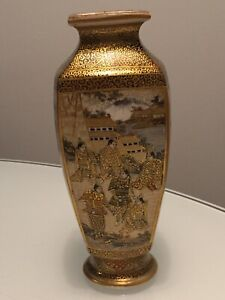 STUNNING ANTIQUE JAPANESE SATSUMA PORCELAIN VASE