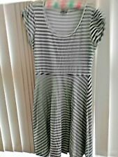 Black & White Striped Emerge Short Sleeved Dress Size 10 Excellent Condition