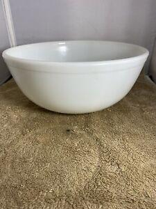 Vintage Pyrex 404 White Opal Large  Mixing Bowl
