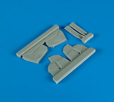 QUICKBOOST QB48086 Undercariage Covers for Hasegawa® Kit P-47D in 1:48