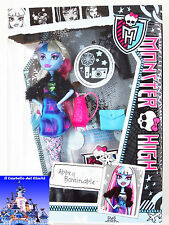 Monster High Bambola ABBEY BOMINABLE 30cm LOOK DA GIORNO by Mattel Barbie nuovo