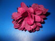 MEDIUM HAIR CLAW WITH DARK RED FLOWER