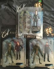 The X-Files Series 1 Action Figure Lot 3 figures Agent Scully & Agent Mulder
