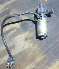Mercedes R107 300CD 300D 190D Motor Zusatz Wasserpumpe Original 000 835 69 64
