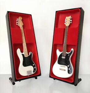(Ramones) Dee Dee and Johnny Ramone: Miniature Guitar Set