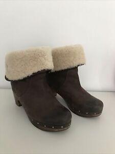 Genuine Ugg Australia Ladies Brown Leather Boots Size UK 7.5 (40)
