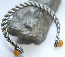 Vintage Twisted Decorated Hand Bracelet With Amber