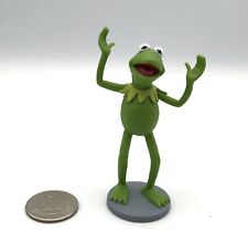 """The Muppets Movie KERMIT the FROG Arms Up Cake Topper PVC Figure Disney 3"""" Tall"""