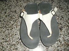 FITFLOP WHITE WITH BLACK ADJUSTABLE T STRAP SANDALS SZ 6 VGUC