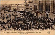 CPA LYON Un concert devant le Grand Hall (442691)