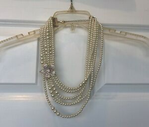 Pearl Necklace w/ Rhinestone Flower
