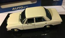 AUTOART 56181 MERCEDES-BENZ /8 220D LIMOUSINE 1/43 SCALE WHITE