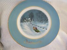 "Vintage Chrismtas Avon 1976 Collector Plate 3rd Edition ""Bringing Home the Tree"""