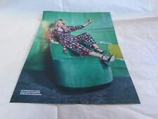KYLIE MINOGUE - Mini poster couleurs !!!!!!!!!