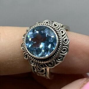 Vintage Sterling Silver Blue Topaz Gemstone Ring (size 8)